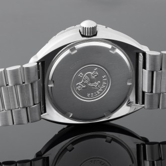 Additional images of the watch